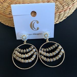 3 for $20❗️ Gold and Faceted Bead Dangle Earrings